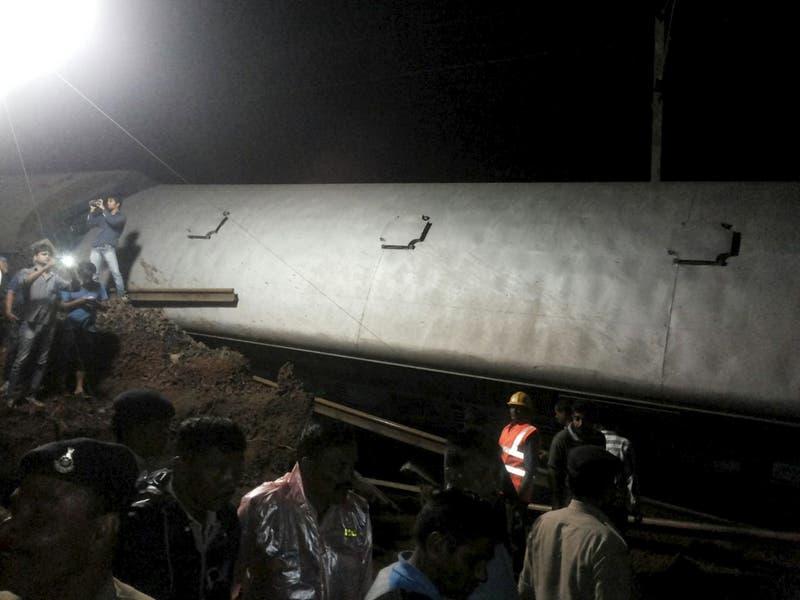 Al menos 27 muertos en India en dos descarrilamientos de tren