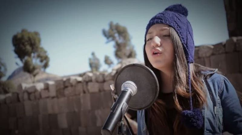 Renata Flores canta canciones de Michael Jackson en quechua