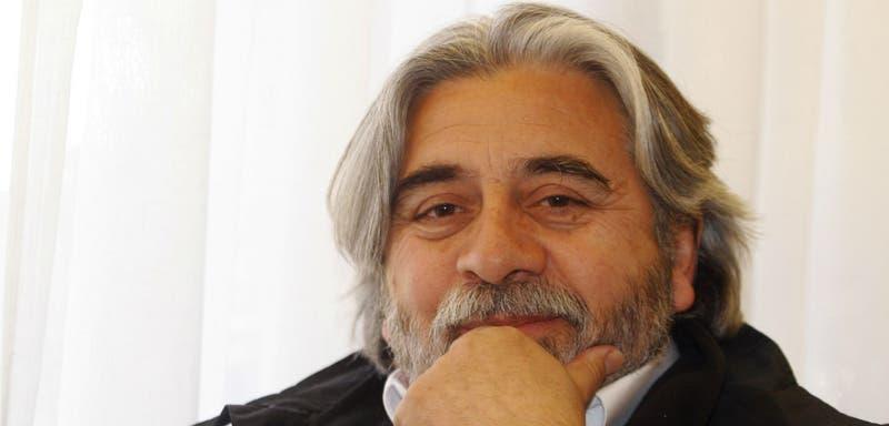 Roberto Poblete tiene 61 años y hoy es diputado