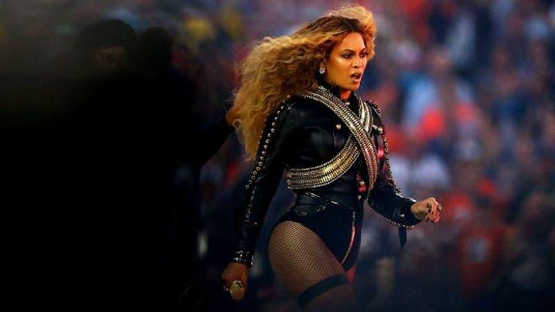 Beyoncé en el Super Bowl 2016.