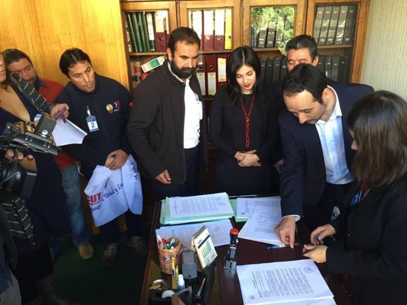 Diputados del PC ingresaron proyecto que busca expropiar SQM