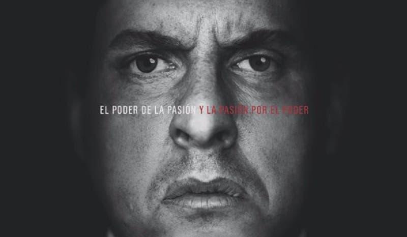Andrés Parra caracterizado como Hugo Chávez