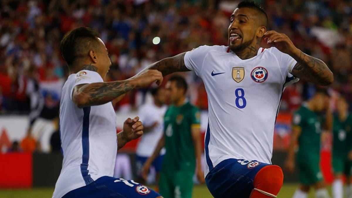 Chile vence agónicamente a Bolivia y mantiene sus opciones en la Copa  Centenario   T13