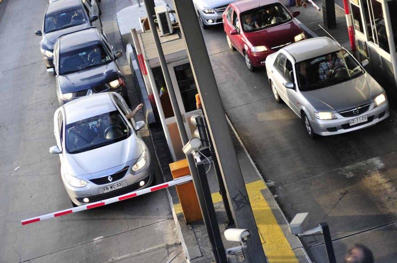 Este es el plan de contingencia para el fin de semana largo: 250 mil vehículos regresarán a Santiago