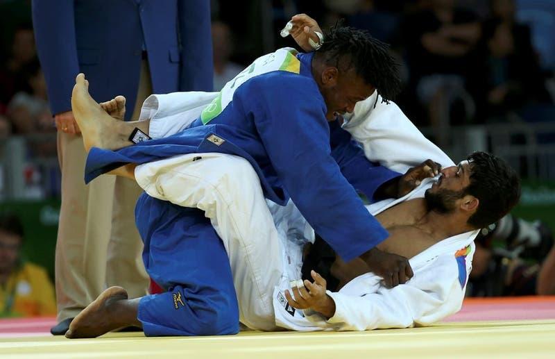 El refugiado congoleño Popole Misenga debutó con un triunfo en el judo masculino.