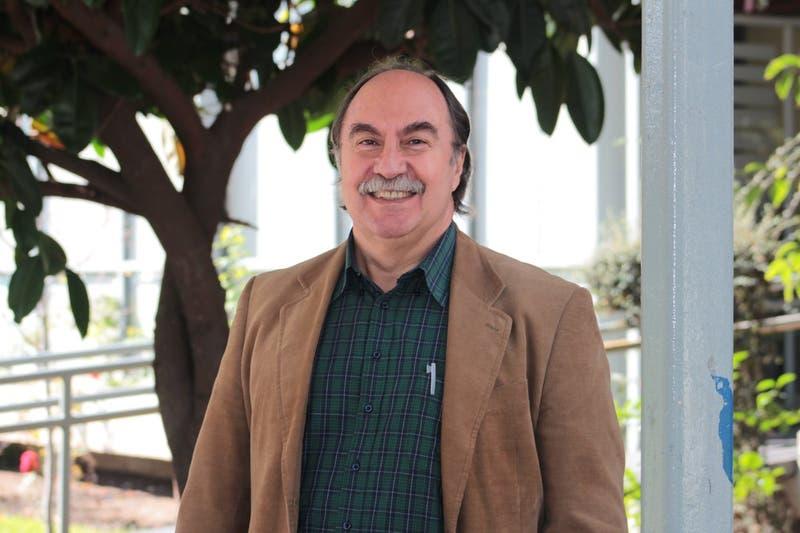 Julio Pinto, premio nacional de Historia 2016
