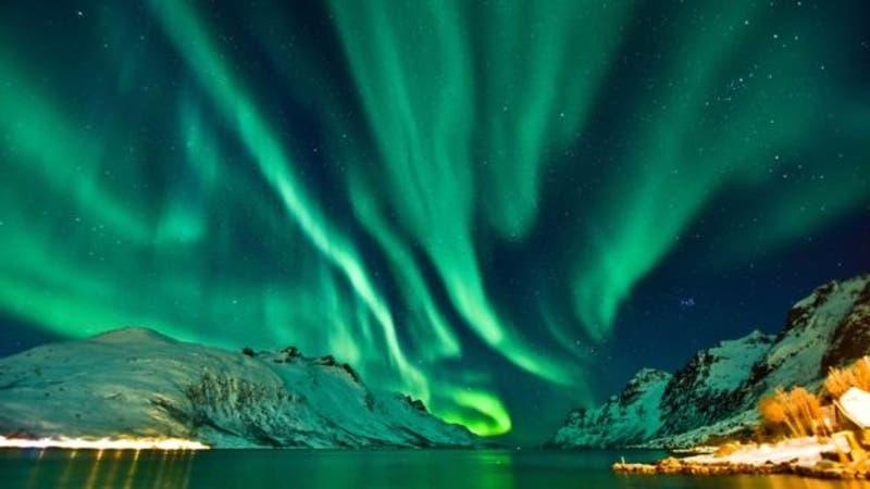 Las auroras polares son una de las consecuencias de los huecos coronales.