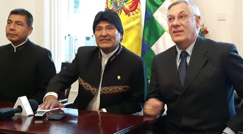"""Evo Morales: """"Vivir en democracia no es gobernar con la Constitución de Pinochet"""""""