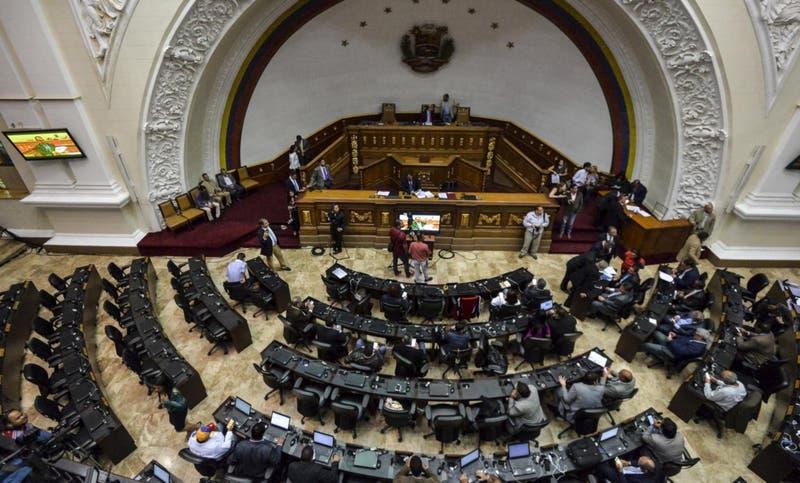 Congreso venezolano amenaza a Goldman Sachs con desconocer compra de bonos