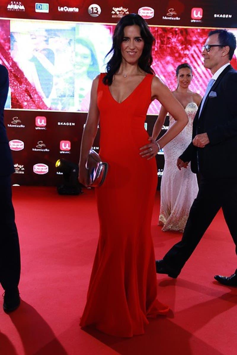 Paz Bascuñán destacó en la alfombra roja de los Premios Copihue de Oro 2017