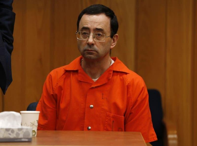Nassar condenado a hasta 125 años de prisión adicionales por abuso sexual