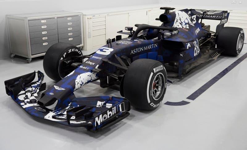 Red Bull ofrece las primeras imágenes de su monoplaza RB14