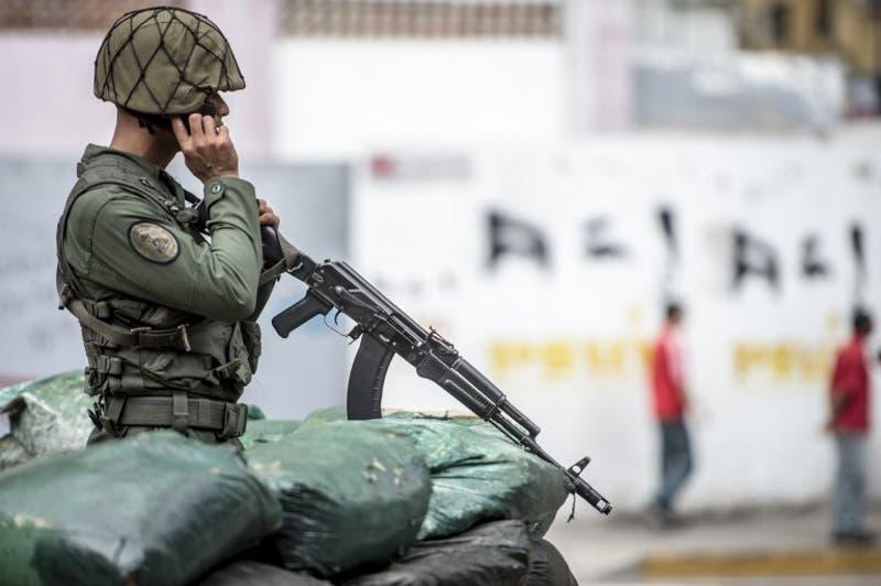 Militar venezolano muere por mina antipersona en frontera con Colombia