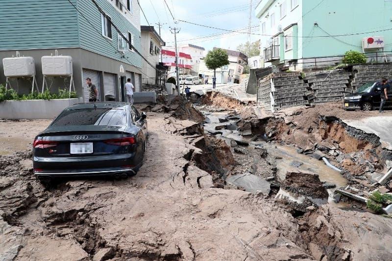 Aumentan a 44 los fallecidos tras sismo en Japón