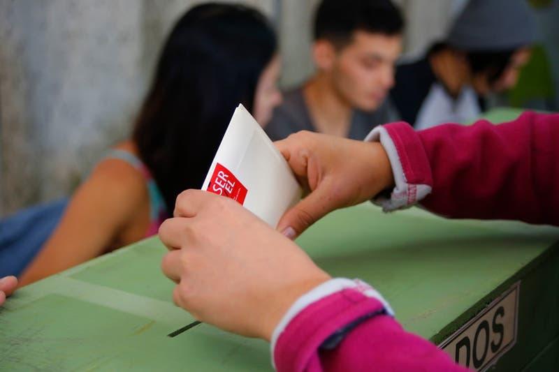 Proyecto busca que jóvenes de 16 años puedan votar
