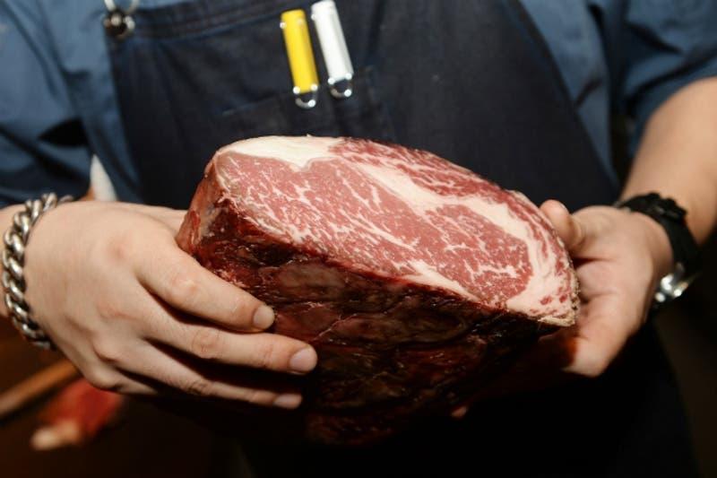 Utiliza este sencillo truco para cocinar la carne como un profesional