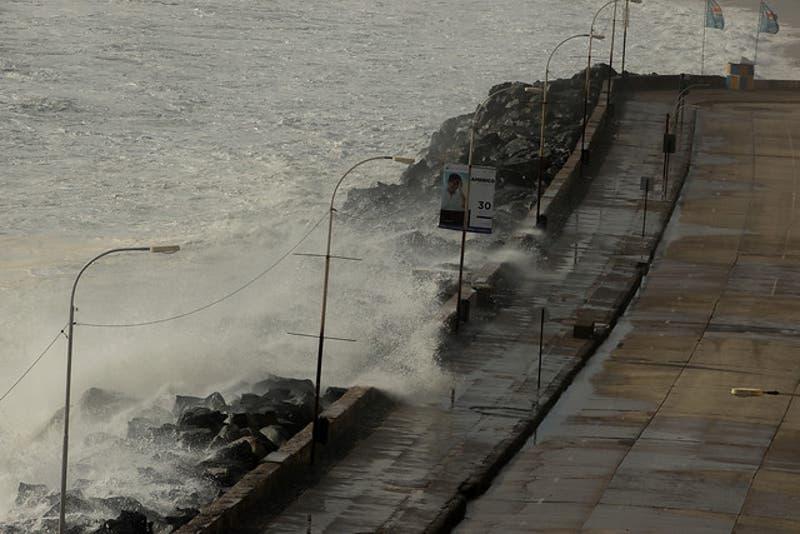Onemi decreta alerta temprana preventiva por marejadas en el borde costero