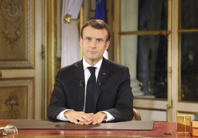 """Macron subirá el sueldo mínimo para calmar a """"chalecos amarillos"""""""