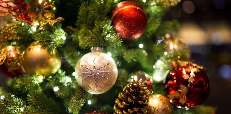 Estudio revela que las personas que adelantan sus decoraciones navideñas son más felices