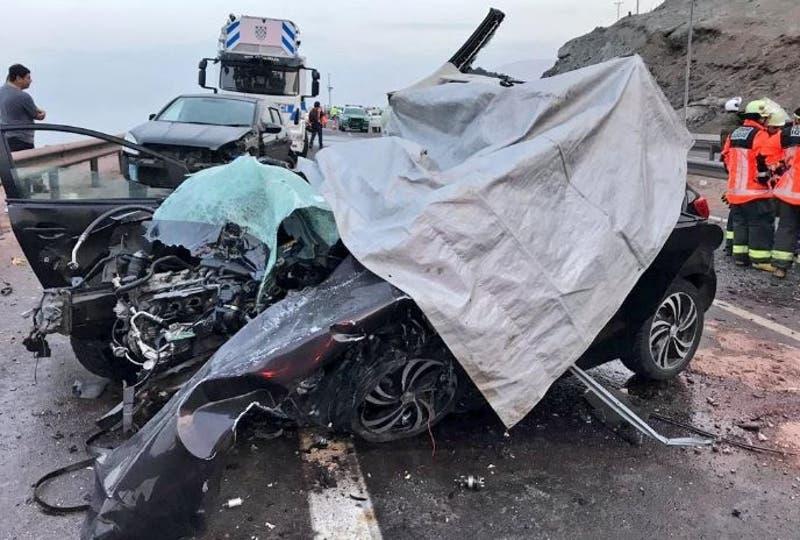 Cinco personas mueren tras choque múltiple en Iquique