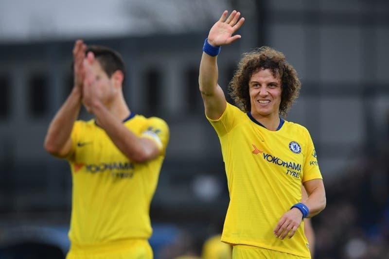 [Video] El pase sin mirar de David Luiz que terminó en gol