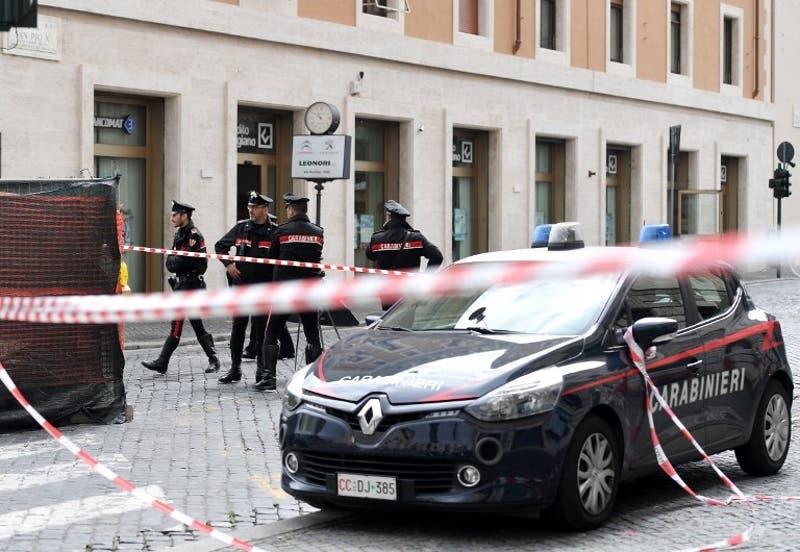Nadador queda paralítico tras recibir bala de mafia italiana: lo habrían confundido con otra persona