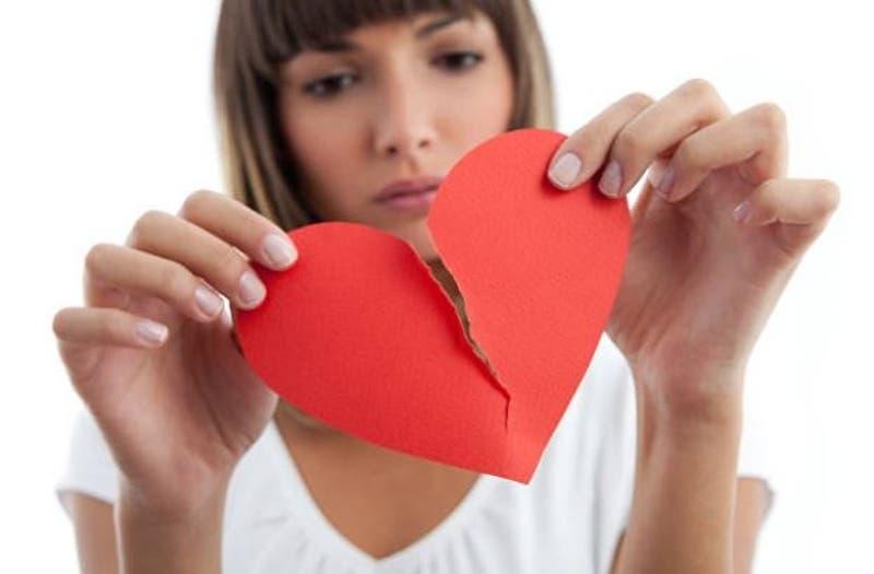 Regalo perfecto de San Valentín: Ofrecen bautizar una cucaracha con el nombre de tu ex por $1.200