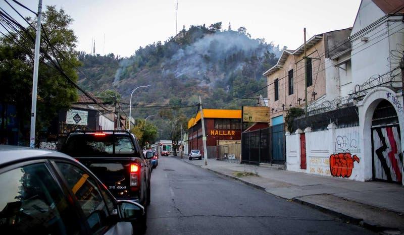 Incendio en Cerro San Cristóbal: Zoológico estará cerrado
