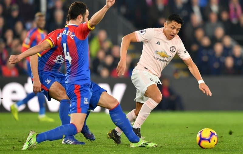 Alexis suma minutos en victoria de Manchester United sobre Crystal Palace por la Premier League
