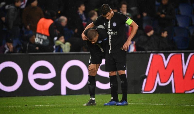 """[VIDEO] """"Perdonadnos"""": El pedido de Thiago Silva a hinchas tras eliminación del PSG en la Champions"""