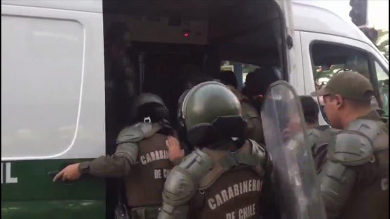 [VIDEO] Hombre fue linchado en medio de marcha en el 8M