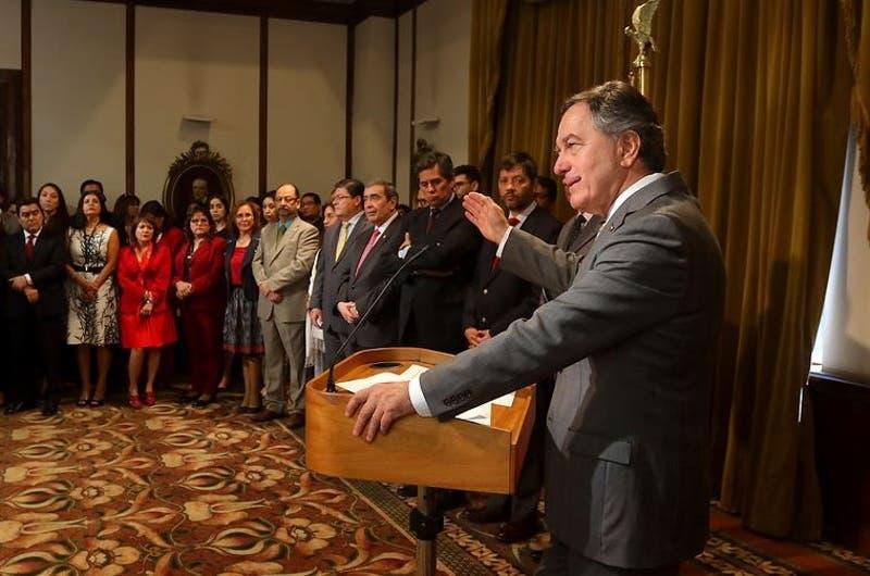 Canciller Roberto Ampuero sale al paso de críticas por Prosur