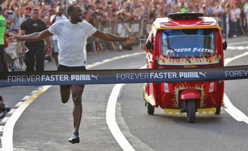 [VIDEO] ¿Quién es más rápido, Usain Bolt o un mototaxi? Carrera resolvió el misterio