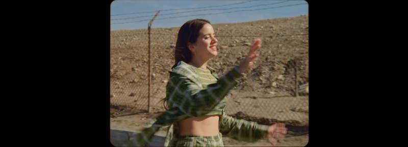 Rosalía y James Blake lanzan video de Barefoot in the park