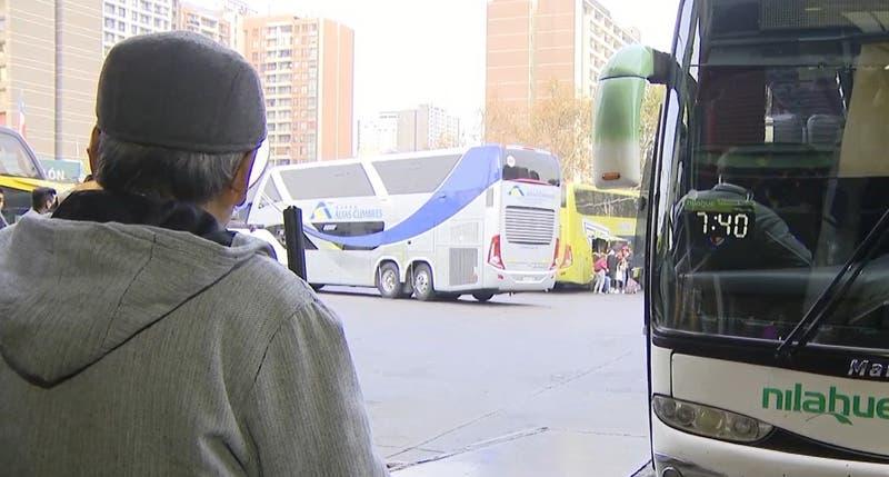 Conductor abandonó a pasajeros para evitar fiscalización en terminal de buses