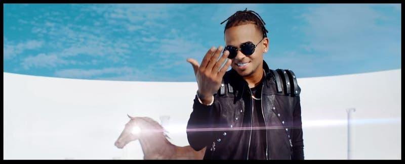 Remix de Baila baila baila reúne a los cracks del reggaetón