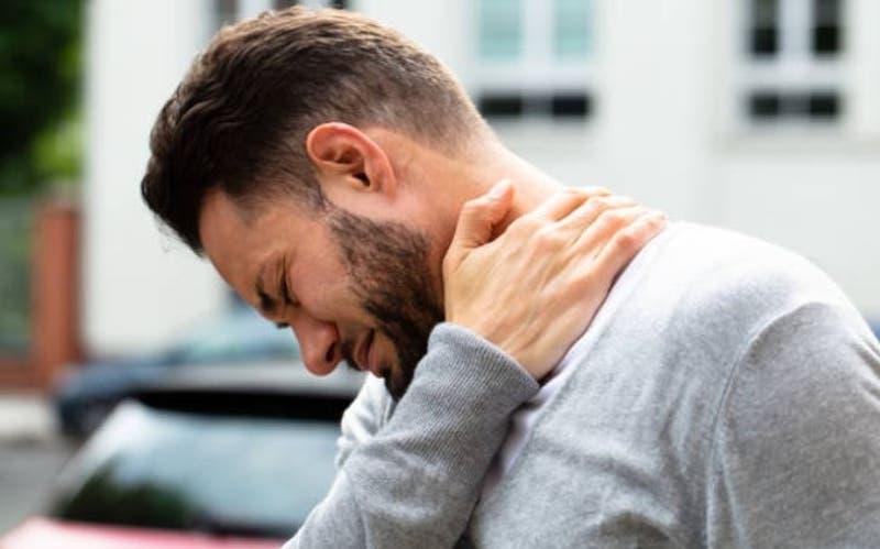 Hombre se hizo sonar el cuello y casi muere por un derrame cerebral en Oklahoma