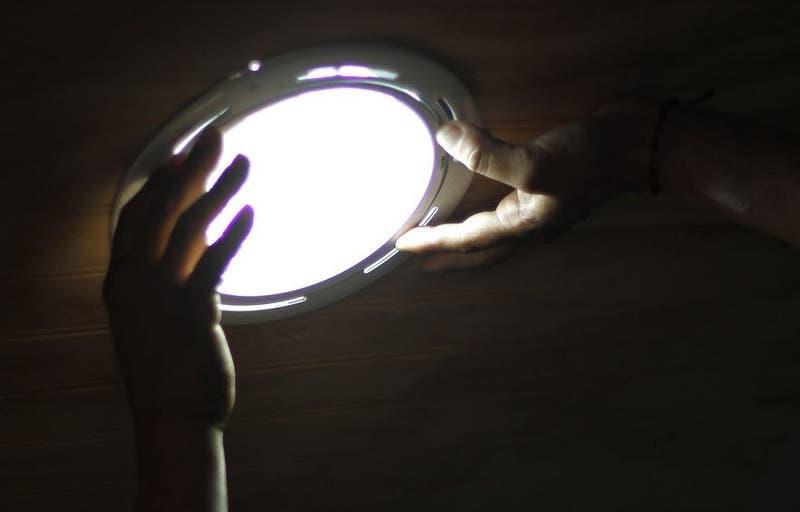 Alzas en cuentas de la luz