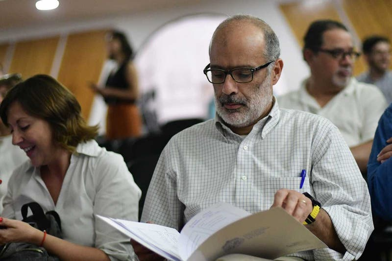 Reforma laboral revive la tensa relación entre CUT y Valdés