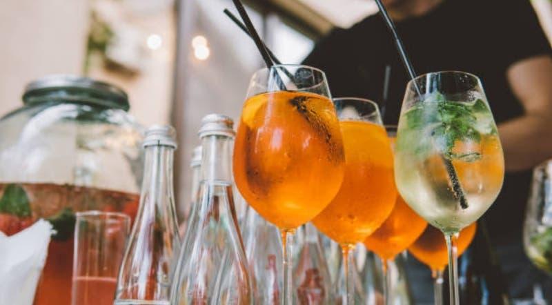 Aperol Spritz: El trago del momento que al parecer no es tan bueno como dicen
