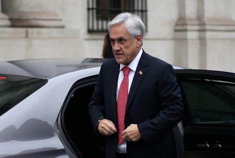 """Piñera insta a oposición a """"corregir el error"""" tras rechazo de proyectos de ley"""