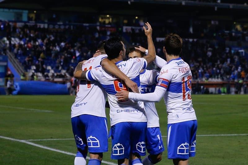 Universidad Católica golea a Antofagasta y asegura la punta del Torneo Nacional