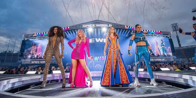 [VIDEO] Así fue el esperado... pero decepcionante regreso de las Spice Girls a los escenarios