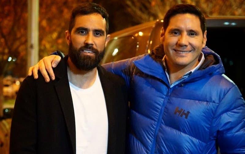 [FOTO] Café y abrigo: La solidaria campaña que unió a  Claudio Bravo y Francisco Saavedra