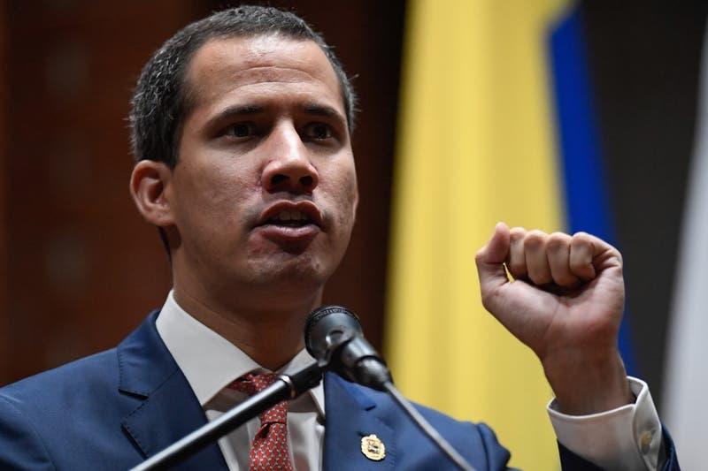 """[VIDEO] Guaidó asegura que Maduro ordenó abrir pasos fronterizos por """"presión de los ciudadanos"""""""