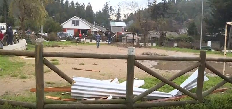 6 casas dañadas en Dichato: Vecinos dicen que fue tromba marina