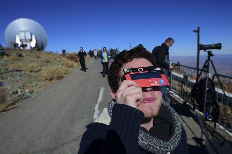 Eclipse total de sol: Cuáles son los síntomas de un eventual daño en la visión
