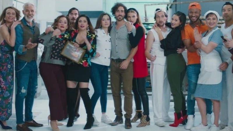 """De la tragedia a las risas: Actores de """"Pacto de Sangre"""" saltan a la comedia en """"Amor a la Catalán"""""""