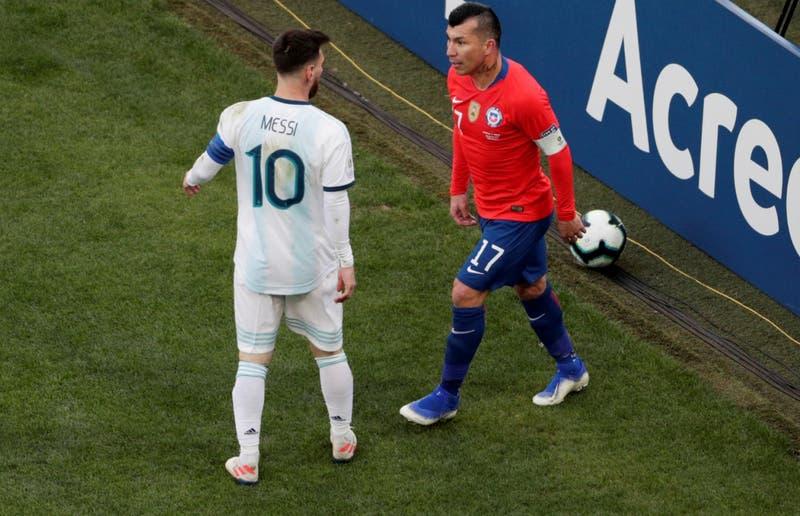[Minuto a Minuto] Argentina gana 2-0: Expulsados Gary Medel y Lionel Messi