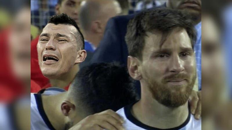 [FOTOS] Los mejores memes tras las expulsiones de Gary Medel y Lionel Messi